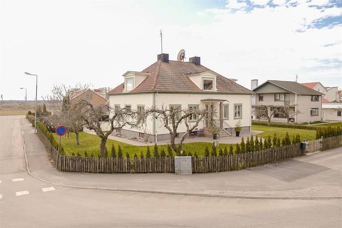 Bild: 8 rum villa på Torggatan 32, Vara kommun Vara