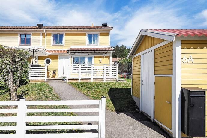 Bild: 6 rum radhus på Bollvägen 6A, Strängnäs kommun Abborberget