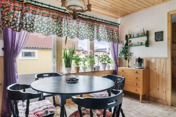 Bild: 5 rum radhus på Fajansstigen 2, Upplands-Bro kommun