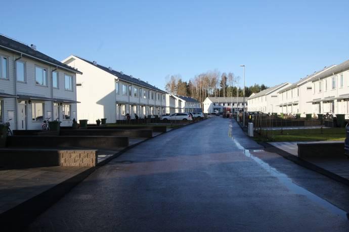Bild: 5 rum radhus på Rosenlund 22, Hammarö kommun Lövnäs
