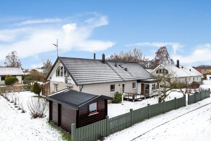 Bild: 5 rum villa på Björnvägen 11, Falkenbergs kommun Hjortsberg