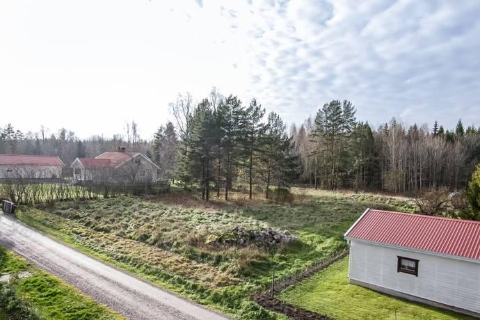 Bild: tomt på Mark 422 B, Örebro kommun