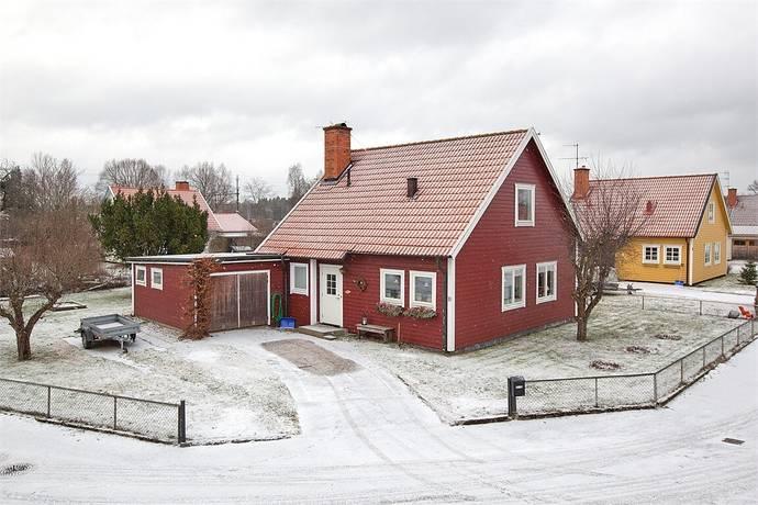 Bild: 4 rum villa på Wallandervägen 10, Vingåkers kommun Vingåker