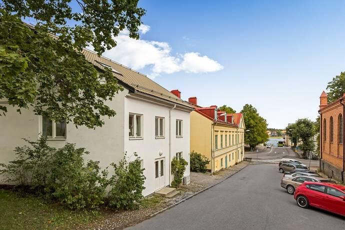 Bild: 2,5 rum bostadsrätt på Kyrkogatan 1, Strängnäs kommun Centralt vid Kyrkberget