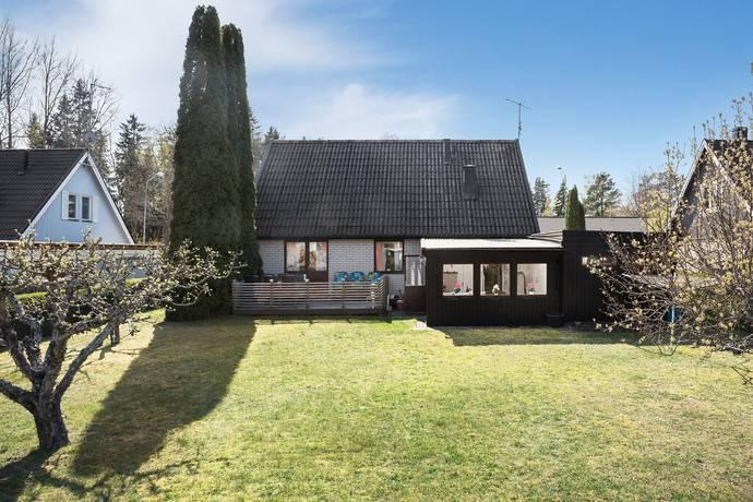 Bild: 6 rum villa på Hjortvägen 12, Enköpings kommun Hummelsta