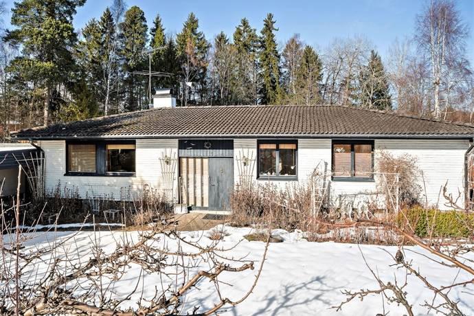 Bild: 7 rum villa på Birkavägen 22, Håbo kommun Bålsta - Hagviken