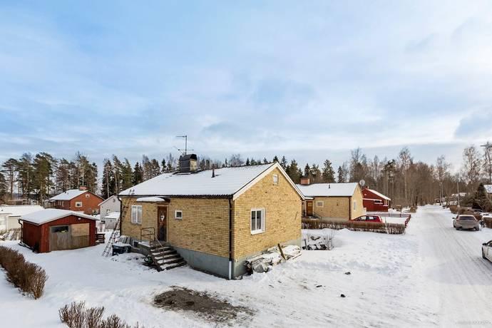 Bild: 6 rum villa på Barrskogsvägen 29, Karlskoga kommun Aggerud