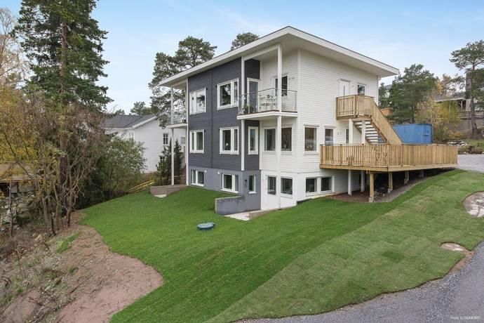 Bild: 5 rum bostadsrätt på Enbacken 13B, Nacka kommun Eriksvik