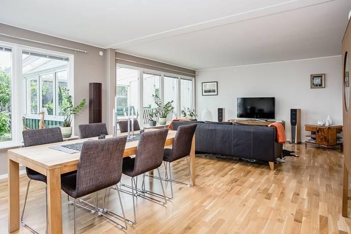 Bild: 7 rum radhus på Östra Gustavsbergsvägen 32, Karlstads kommun Gustavsberg