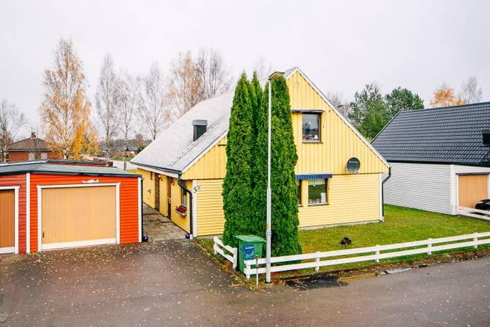Bild: 6 rum villa på Hallonstigen 5, Töreboda kommun Töreboda - Kilenområdet