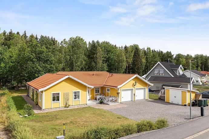Bild: 5 rum villa på Ekövägen 8, Norrköpings kommun Östra Husby
