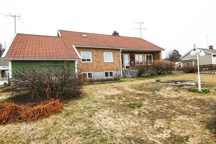 Bild: 5 rum villa på Näsåkersvägen 11, Skellefteå kommun LÖVÅNGER