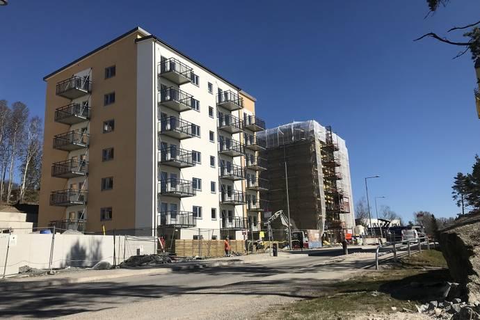 Bild: 2 rum bostadsrätt på Småbrukets Backe 14, 6 tr, Huddinge kommun