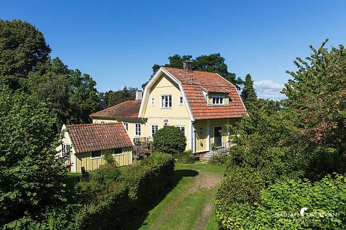 Bild: 7 rum villa på Ryttarvägen 6, Båstads kommun Båstad Väster