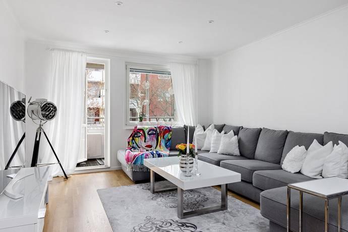 Bild: 2,5 rum bostadsrätt på Lammholmsbacken 197, vån 1, Huddinge kommun Vårby gård