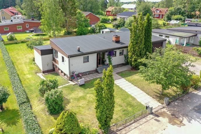Bild: 5 rum villa på Solvägen 3, Heby kommun Harbo