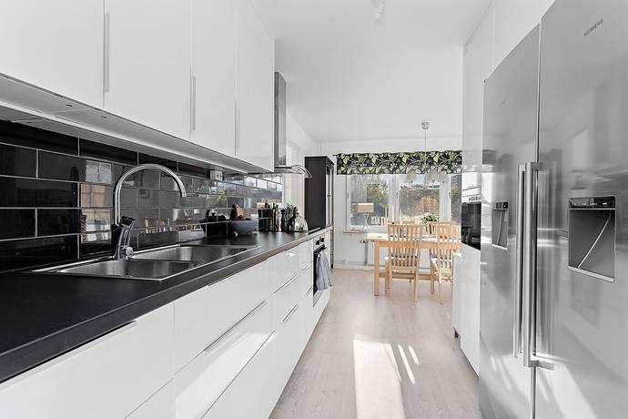Bild: 3 rum bostadsrätt på Blomgatan 20, Solna kommun Centrala Solna