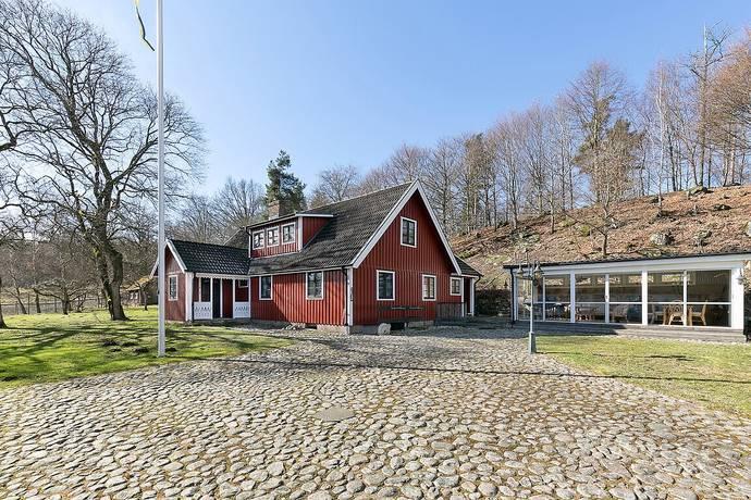 Bild: 6 rum gård/skog på Kärlingeberga 2429, Hässleholms kommun Ballingslöv