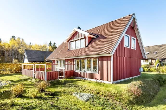 Bild: 7 rum villa på Slånbärsstigen 3, Strängnäs kommun Finninge