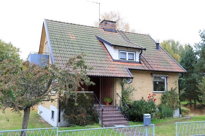 Bild: 4 rum villa på Viaduktgatan 25, Hässleholms kommun Hästveda