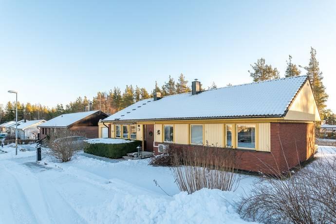Bild: 5 rum villa på Arkvägen 4, Hudiksvalls kommun Iggesund