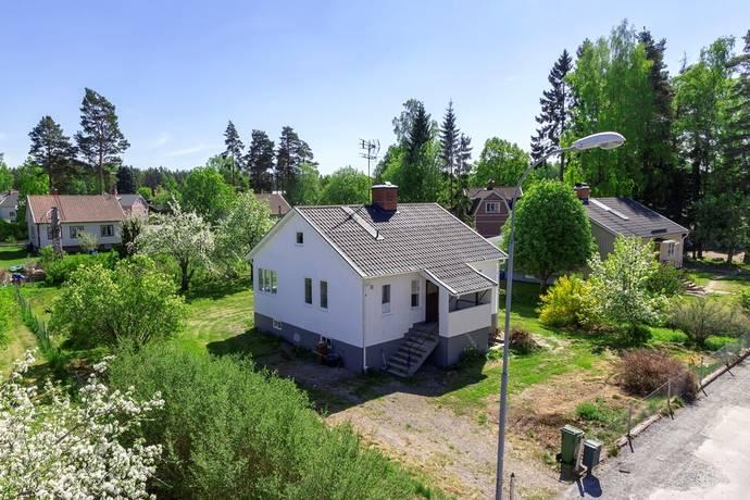 Bild: 2 rum villa på Industrivägen 6, Heby kommun Tärnsjö