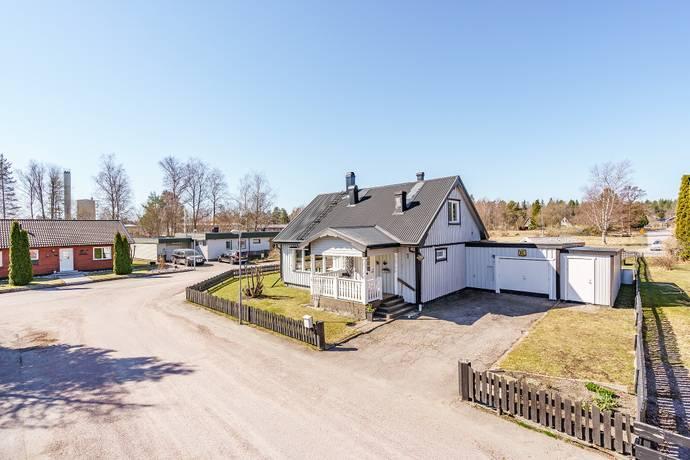 Bild: 5 rum villa på Aprilvägen 1, Östhammars kommun Östhammar