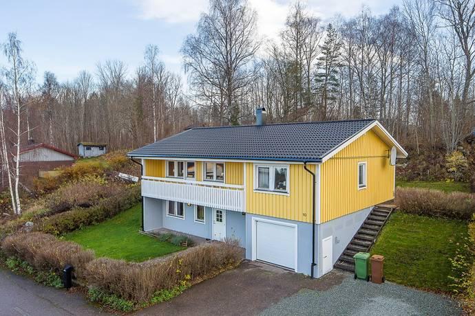 Bild: 4 rum villa på Snickarvägen 10, Bengtsfors kommun Skåpafors