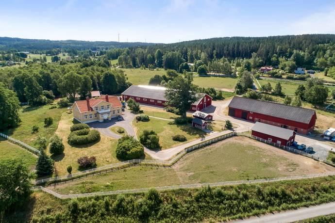 Bild: 10 rum gård/skog på Bäckseda prästgård 1, Vetlanda kommun Vetlanda