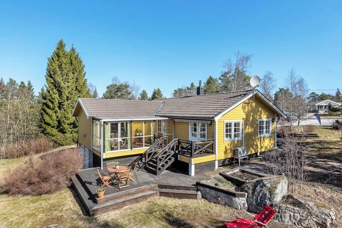 Bild: 5 rum villa på Bobergsvägen 12, Norrtälje kommun Spillersboda