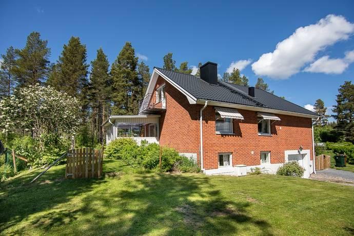 Bild: 5 rum villa på Plåtslagarvägen 9, Örnsköldsviks kommun Järved
