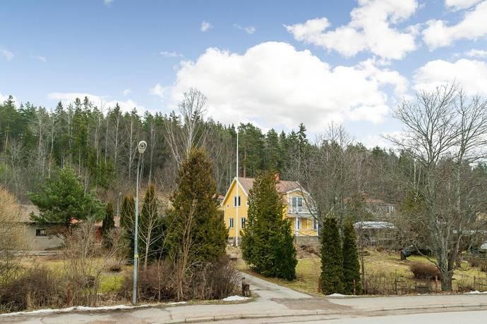 Bild: 4 rum villa på Källvägen 4, Gnesta kommun Stjärnhov