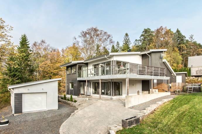 Bild: 5 rum villa på Gungtjärnsvägen 4, Härryda kommun Landvetter