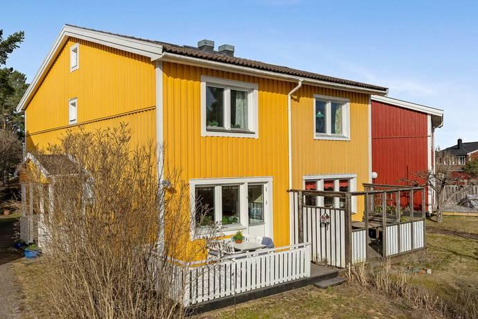 Bild: 5 rum radhus på Torplyckegränd 122, Stockholms kommun Vällingby Vinsta