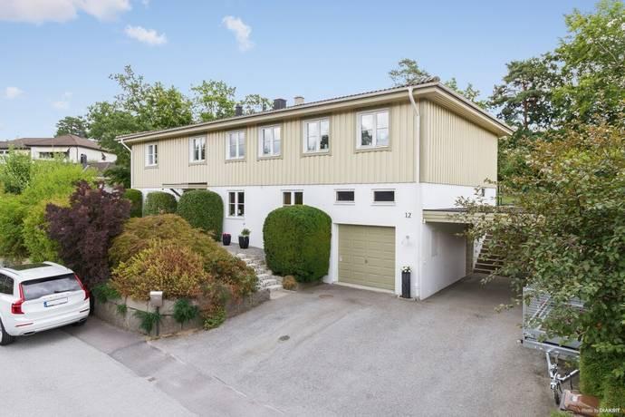 Bild: 9 rum villa på Tranbärsstigen 12, Karlshamns kommun Norra Prästslätten