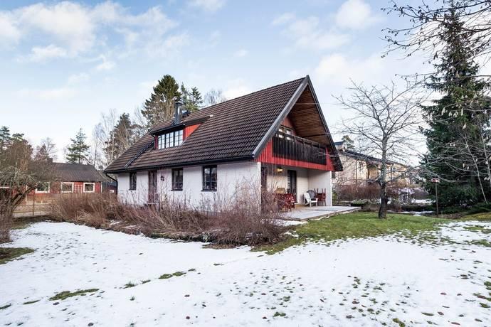 Bild: 6 rum villa på Ekorrvägen 9, Botkyrka kommun Tullinge