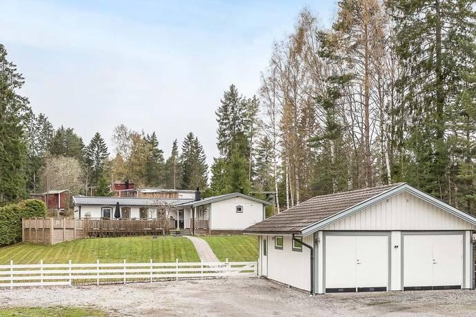 Bild: 4 rum villa på Hagtornsvägen 19, Österåkers kommun Stava
