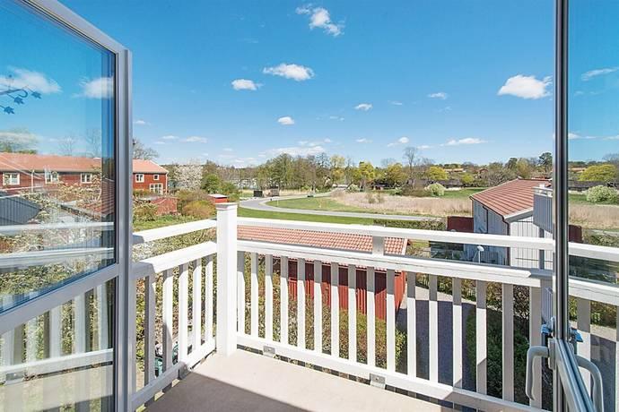 Bild: 2 rum bostadsrätt på De la Gardies väg 10, Värmdö kommun Farsta slottsvik
