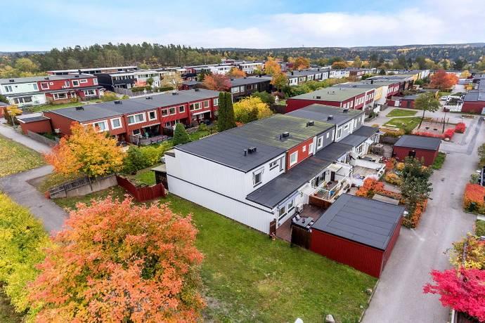 Bild: 5 rum radhus på Musserongången 275, Tyresö kommun Krusboda