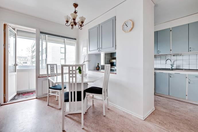 Bild: 2 rum bostadsrätt på Bergshöjden 20, Sundbybergs kommun Rissne