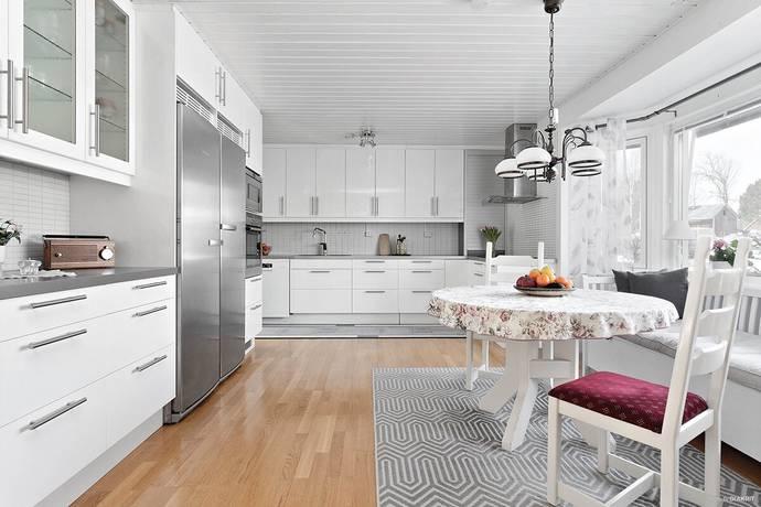 Bild: 6 rum villa på Pernilsavägen  19, Luleå kommun Rutvik