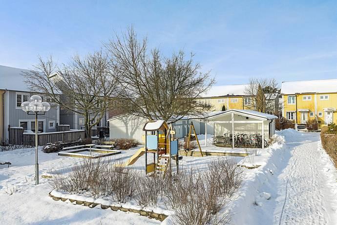 Bild: 4 rum radhus på Silkeborgsgatan, Stockholms kommun Kista