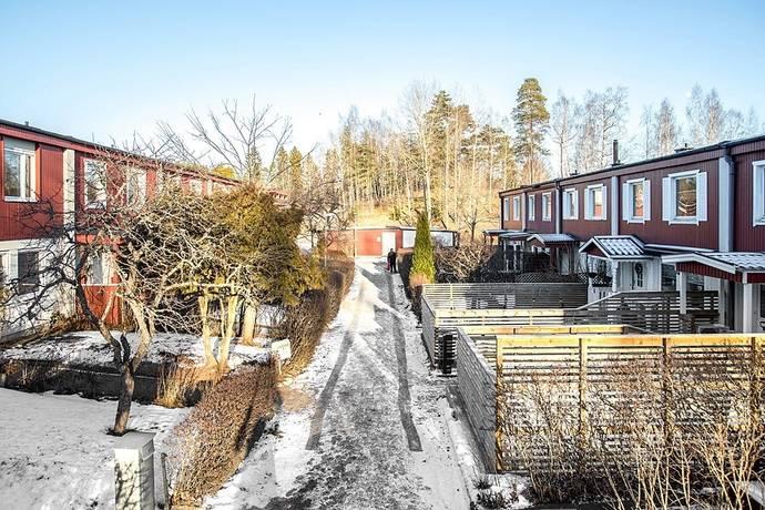 Bild: 5 rum radhus på Svampstigen 124, Salems kommun Salem