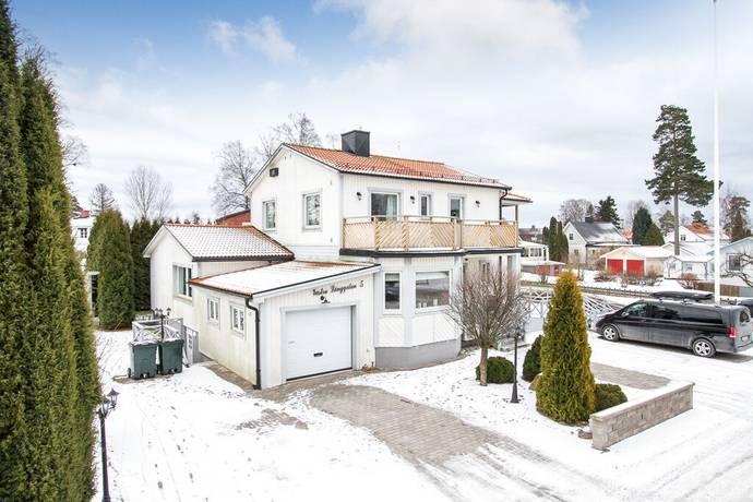 Bild: 6 rum villa på Västra långgatan 5, Degerfors kommun Bossåsen