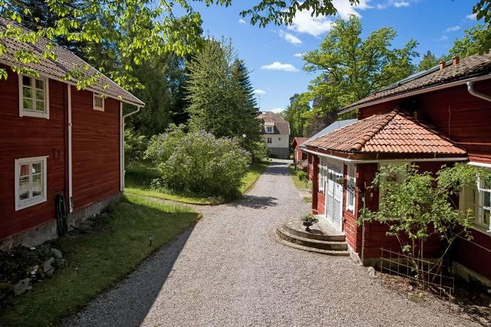 Bild: 13 rum gård/skog på Bastedalens Herrgård, Askersunds kommun Hammar