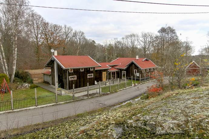 Bild: 8 rum villa på Kilahallsvägen  6, Karlshamns kommun
