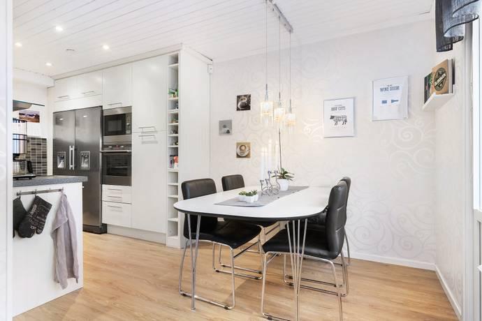 Bild: 5 rum radhus på Rumbastigen 33, Upplands-Bro kommun Kungsängen
