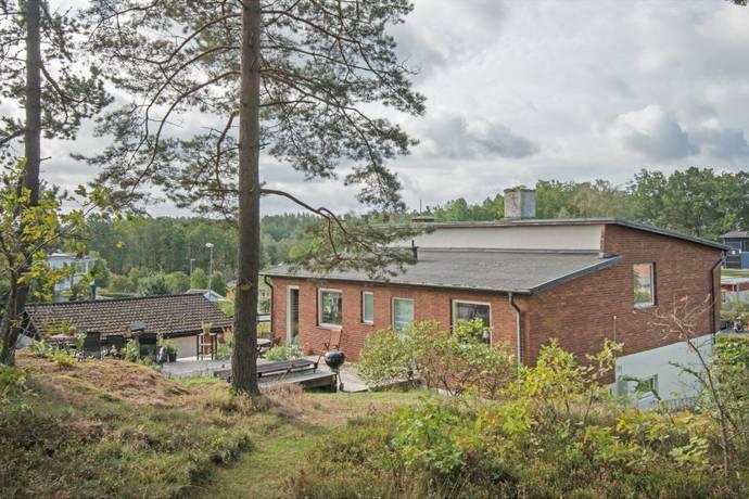 Bild: 6 rum villa på Stensholmsvägen 44, Jönköpings kommun