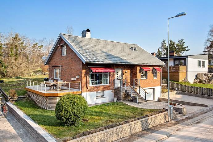 Bild: 5 rum villa på Modhs väg 3, Trollhättans kommun Skoftebyn