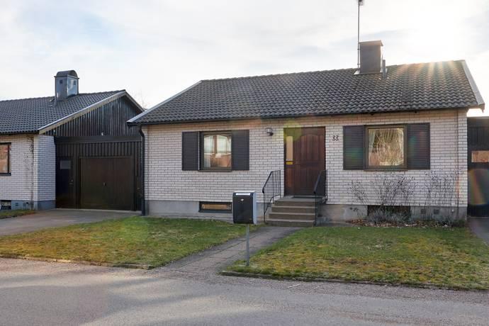 Bild: 5 rum villa på Bastövägen 33, Växjö kommun Hov